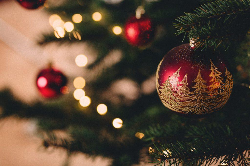 decorazione natalizia rossa