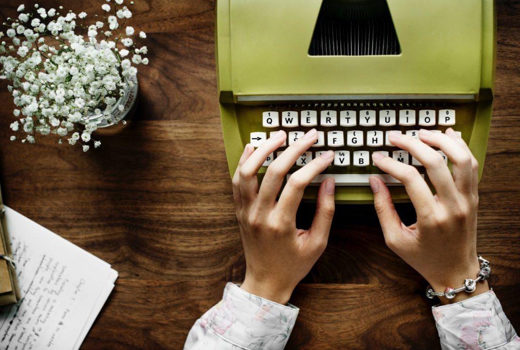 macchina-da-scrivere-verde