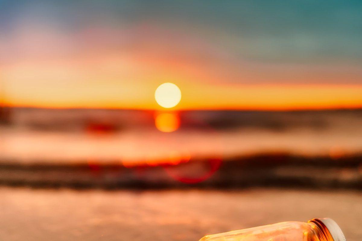 beach-blur-clouds