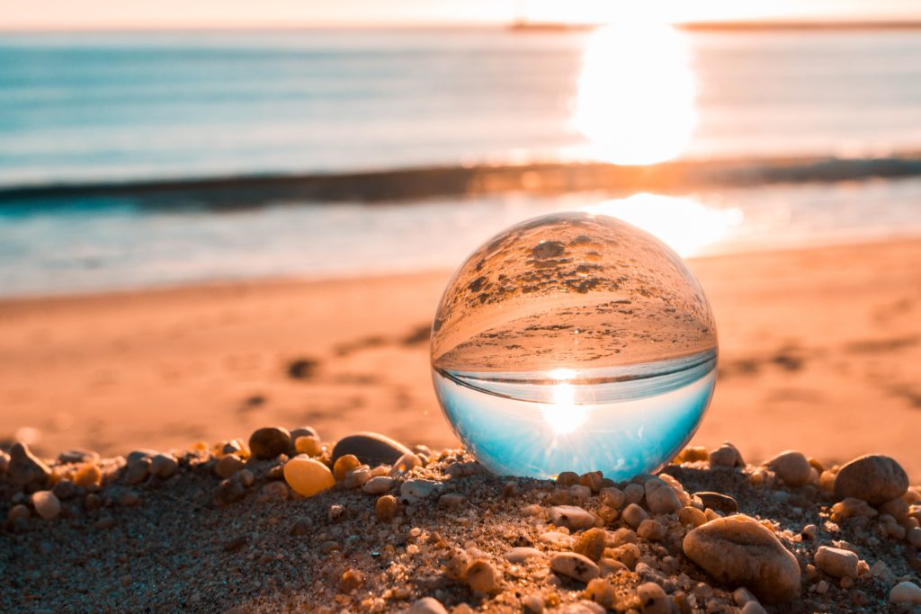 beach-dawn-lensball